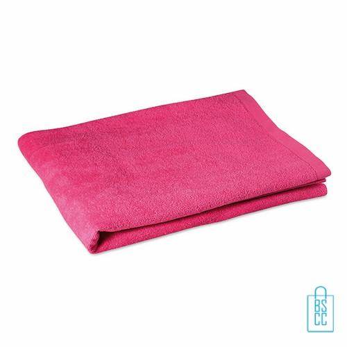 Sporthanddoek groot bedrukken roze, sporthanddoek bedrukt, sporthanddoek met logo