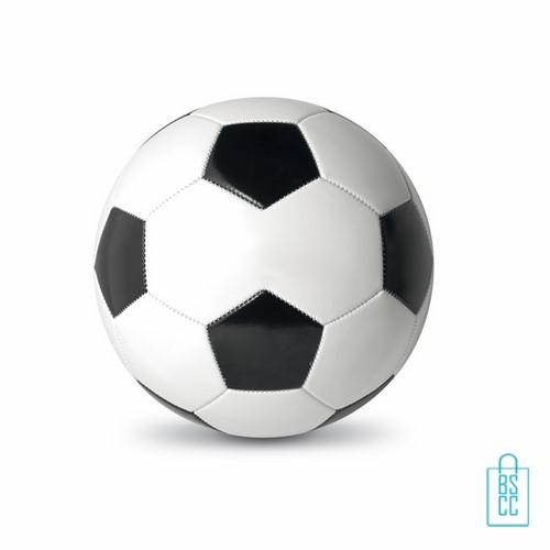Voetbal goedkoop bedrukt, voetbal bedrukken, bedrukte voetbal met logo