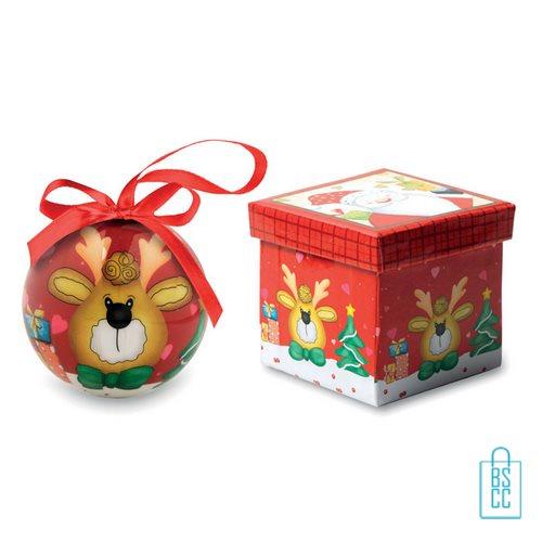 Kerstbal geschenk rendier rood bedrukt, kerst relatiegeschenken