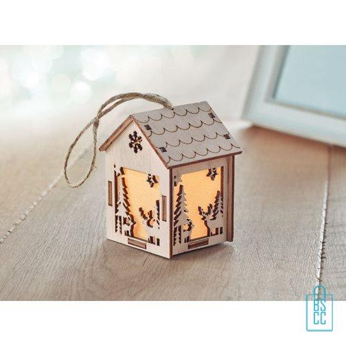 Kerstboomhanger houten huisje bedrukken duurzaam, kerst relatiegeschenken