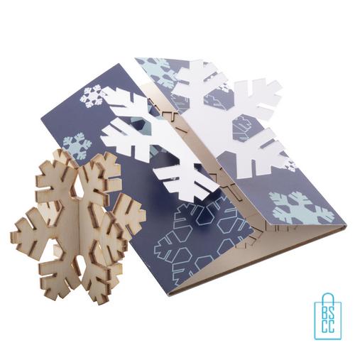 Papieren kerstkaart 3D puzzel sneeuwvlok, kerstgeschenken bedrukt