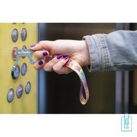 Polsband hygiëne sleutel op maat bedrukken zelf designen, corona preventie artikelen