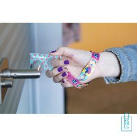 Polsband hygiëne sleutel op maat bedrukt eigen ontwerp, corona preventie artikelen